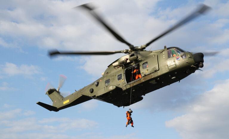 En af forsvarets redningshelikoptere