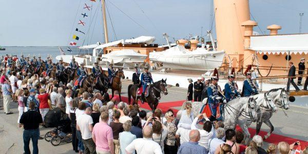 Sådan så det ud, da Kongeskibet Dannebrog i 2008 lagde vejen forbi Esbjerg. Foto: Esbjerg Kommune